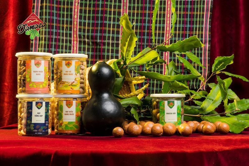 Macca Dak Lak Nguyen Phuong launches new products - Damaca.vn